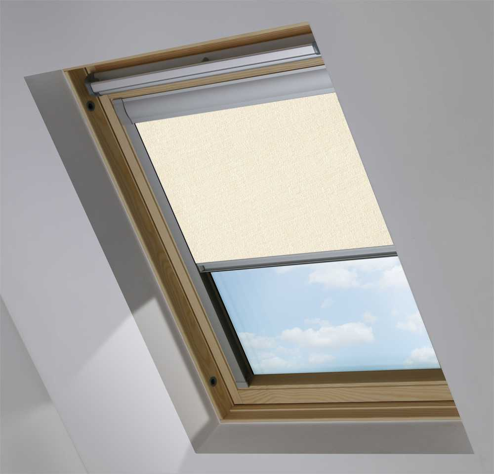 Made-To-Measure Premium Skylight Blind in Flecked Cream Blackout