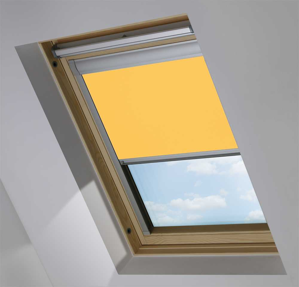 Made-To-Measure Premium Skylight Blind in Whin Blackout