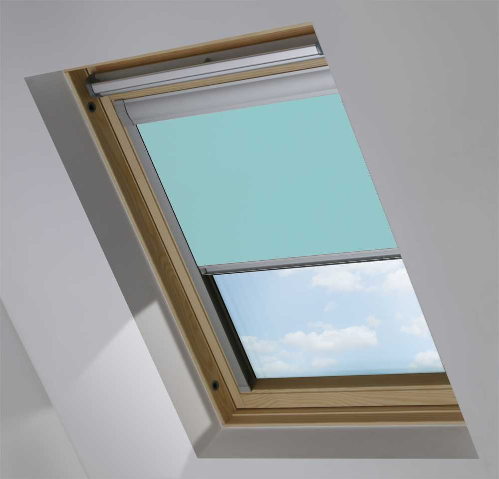 Made-To-Measure Premium Skylight Blind in Coastal Blue Blackout