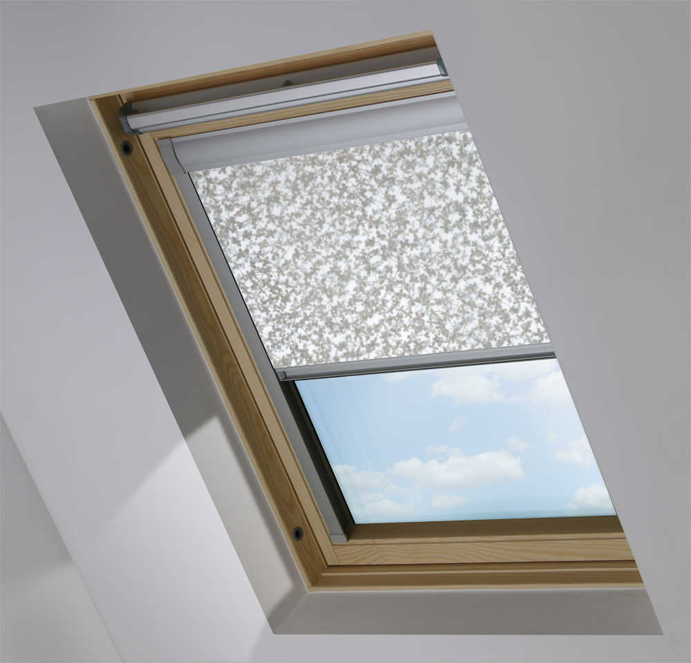 Made-To-Measure Premium Skylight Blind in Meadow Transparent