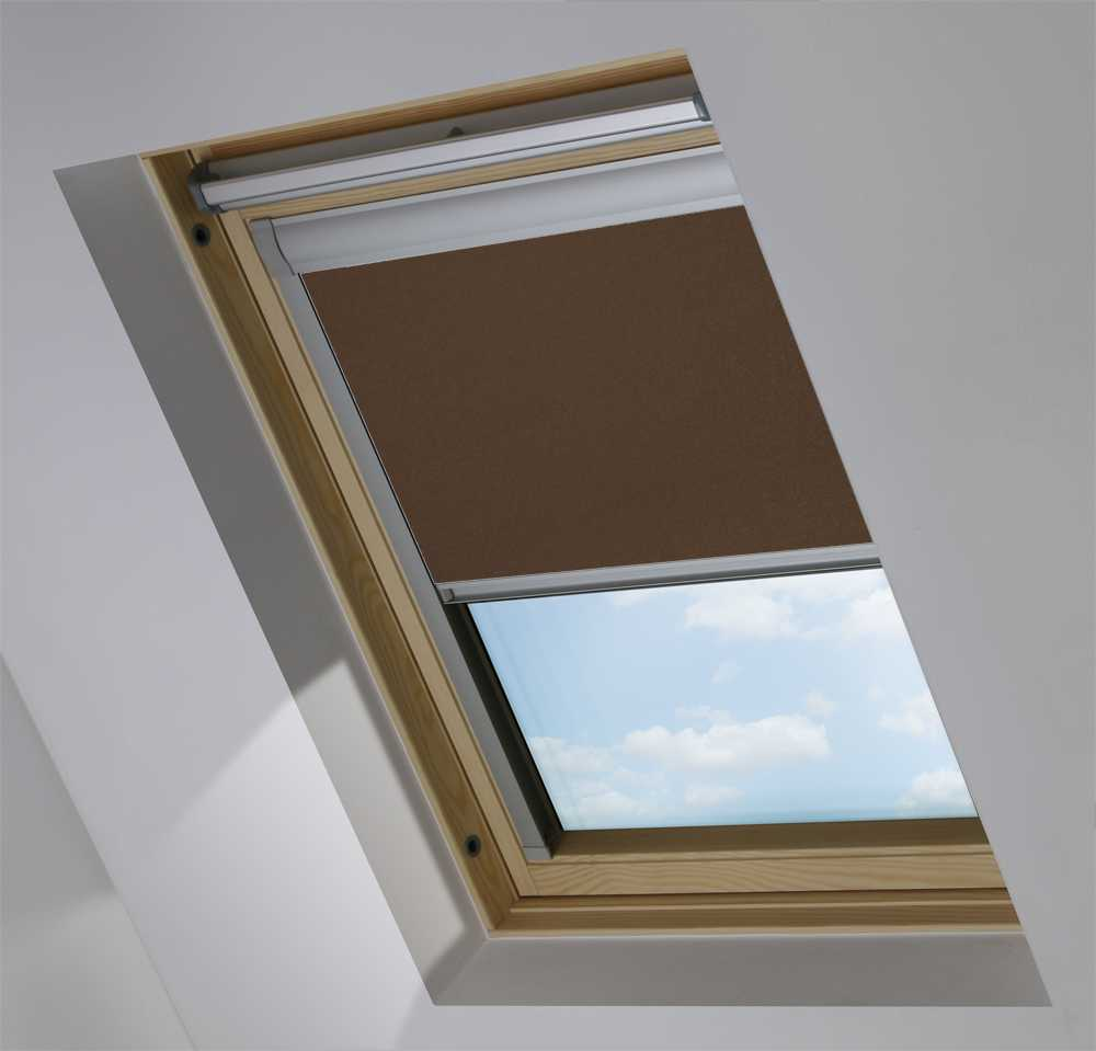 Made-To-Measure Premium Skylight Blind in Rich Chestnut Translucent