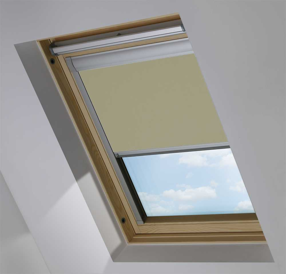 Made-To-Measure Premium Skylight Blind in Pale Oak Translucent