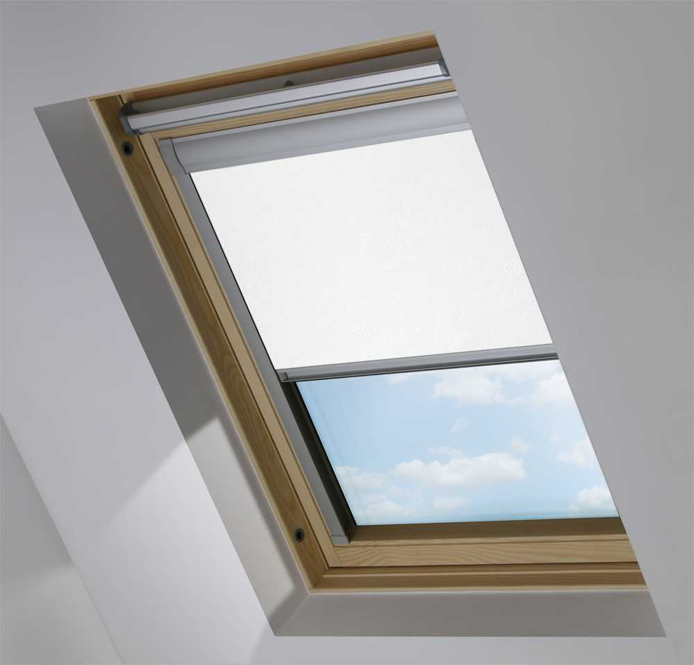 Made-To-Measure Premium Skylight Blind in Lilly WhiteTranslucent