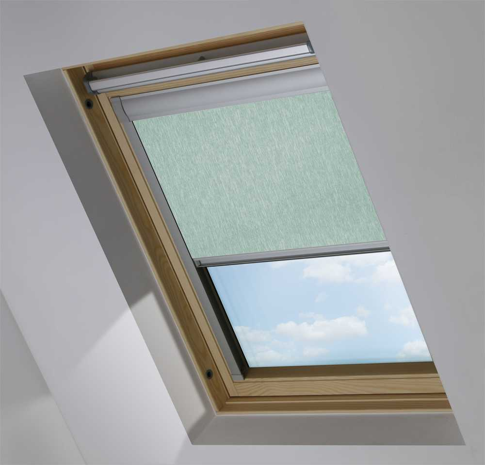 Made-To-Measure Premium Skylight Blind in Brushed Platinum Blackout