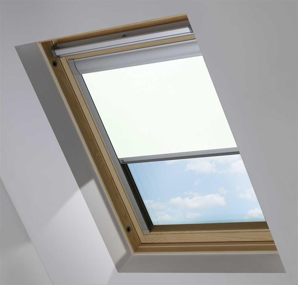 Made-To-Measure Premium Skylight Blind in PVC Beige