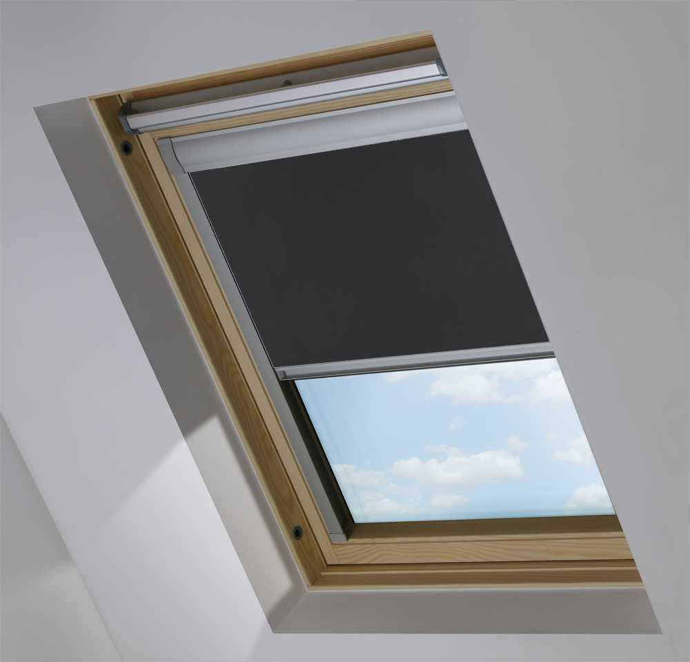 Made-To-Measure Premium Skylight Blind in PVC Black