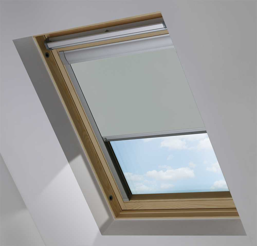 Made-To-Measure Premium Skylight Blind in PVC Iron