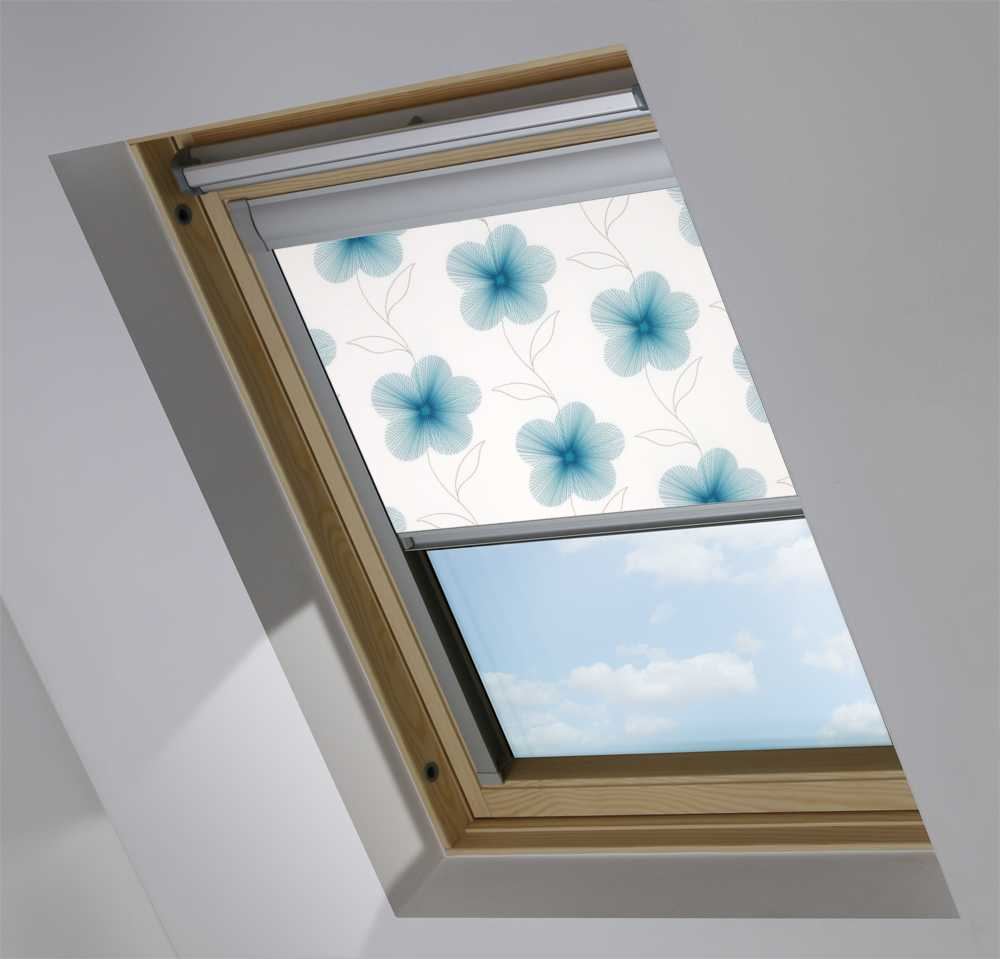 Made-To-Measure Premium Skylight Blind in Eve Blue Translucent