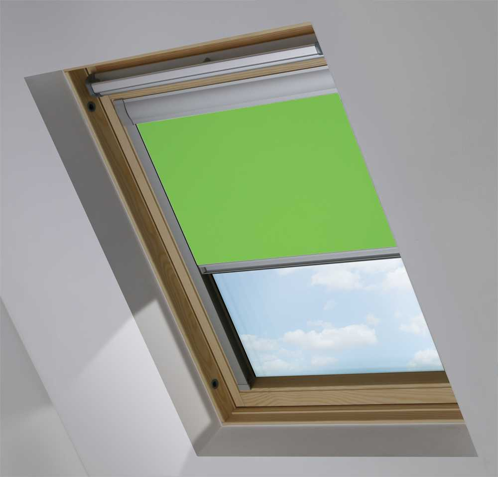 Made-To-Measure Premium Skylight Blind in Grass Green Translucent