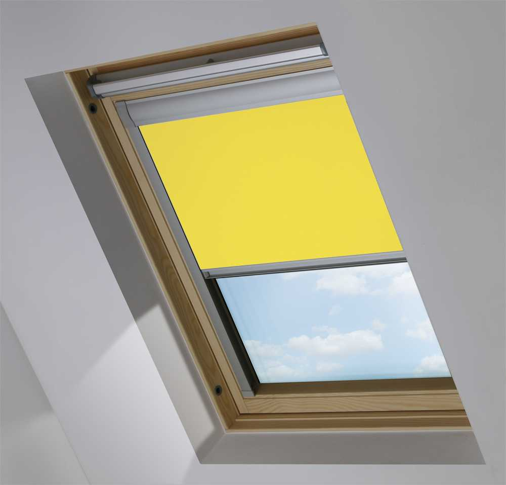 Made-To-Measure Premium Skylight Blind in Limeade Translucent