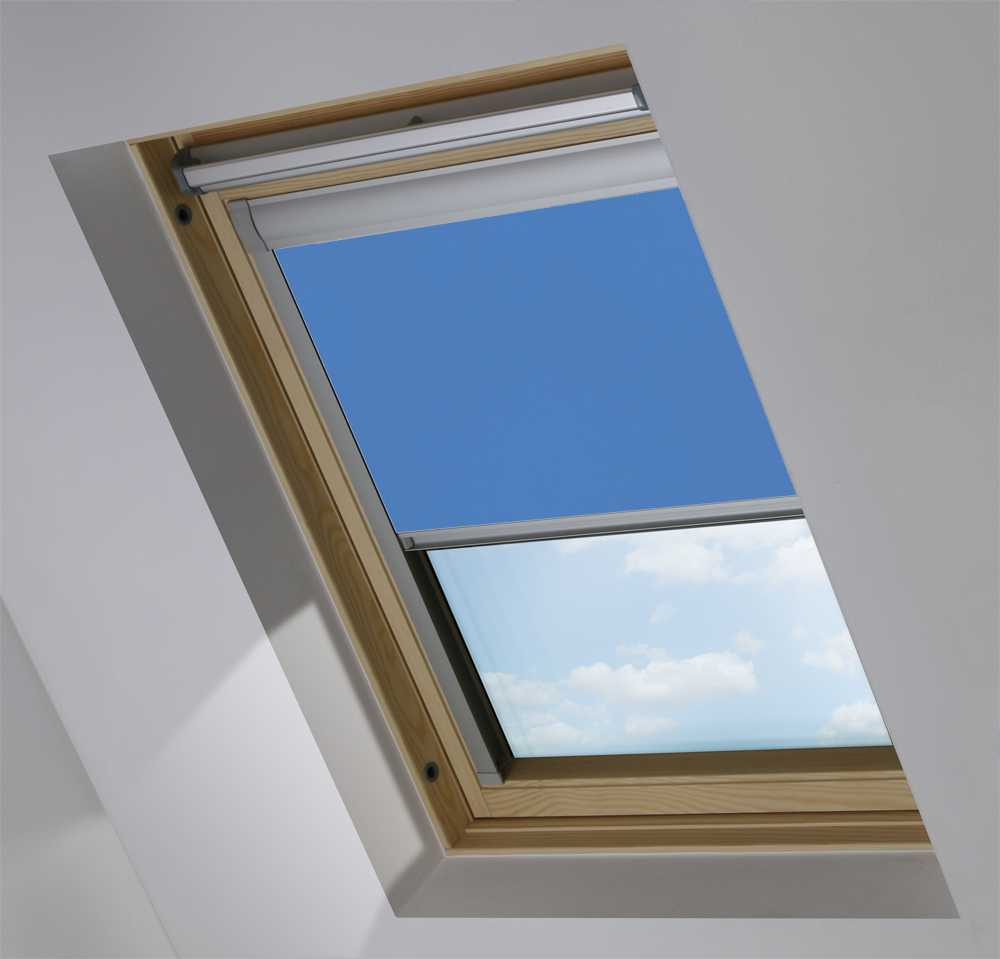 Made-To-Measure Premium Skylight Blind in Delft Blackout